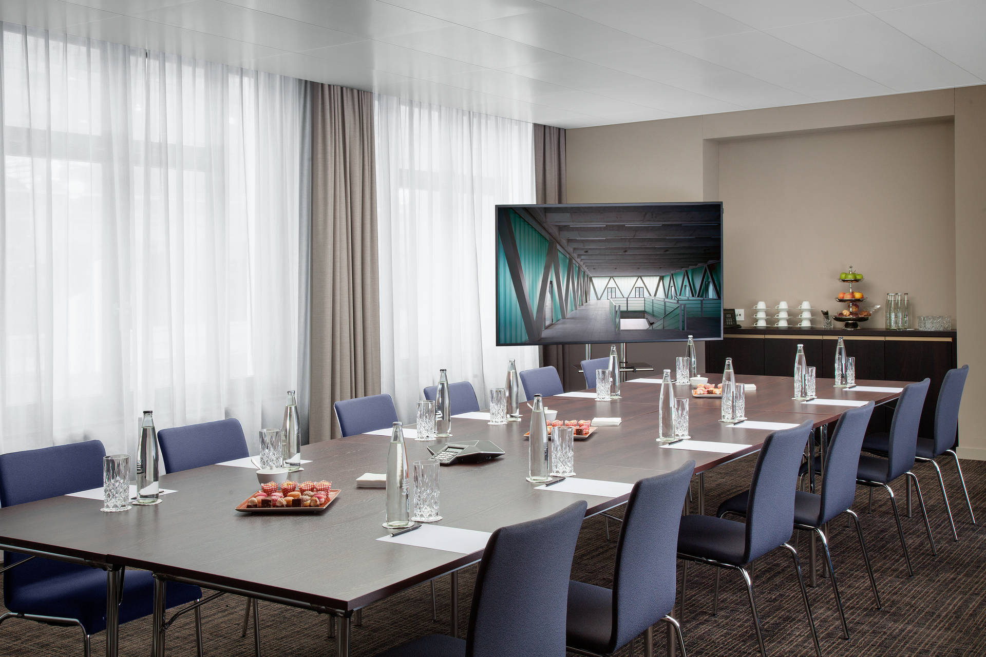 Conference room in ACASA Suites Zurich with state-of-the-art infrastructure